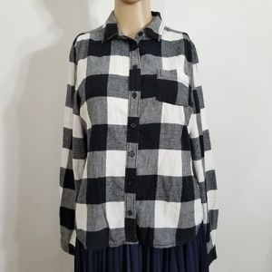 UP BDG Buffalo Plaid Black White Flannel Shirt Med